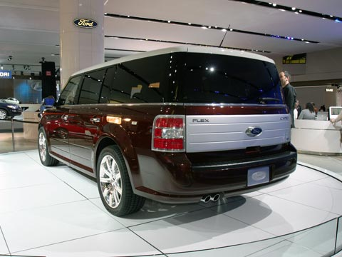 2009 Ford Flex Rear 33389.jpg
