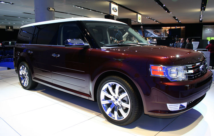 2009 Ford Flex Rear 33397.jpg